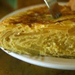 """Learn how to cook a typical tortilla de patatas with """"Cocina en…"""""""