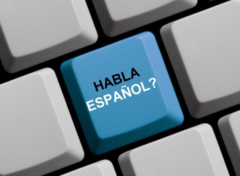 keyboard with habla espanol in blue