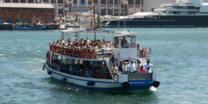 Las Golondrinas - the traditional boat trip of Barcelona