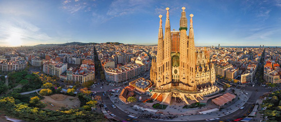 How travel and Barcelona enriches your life