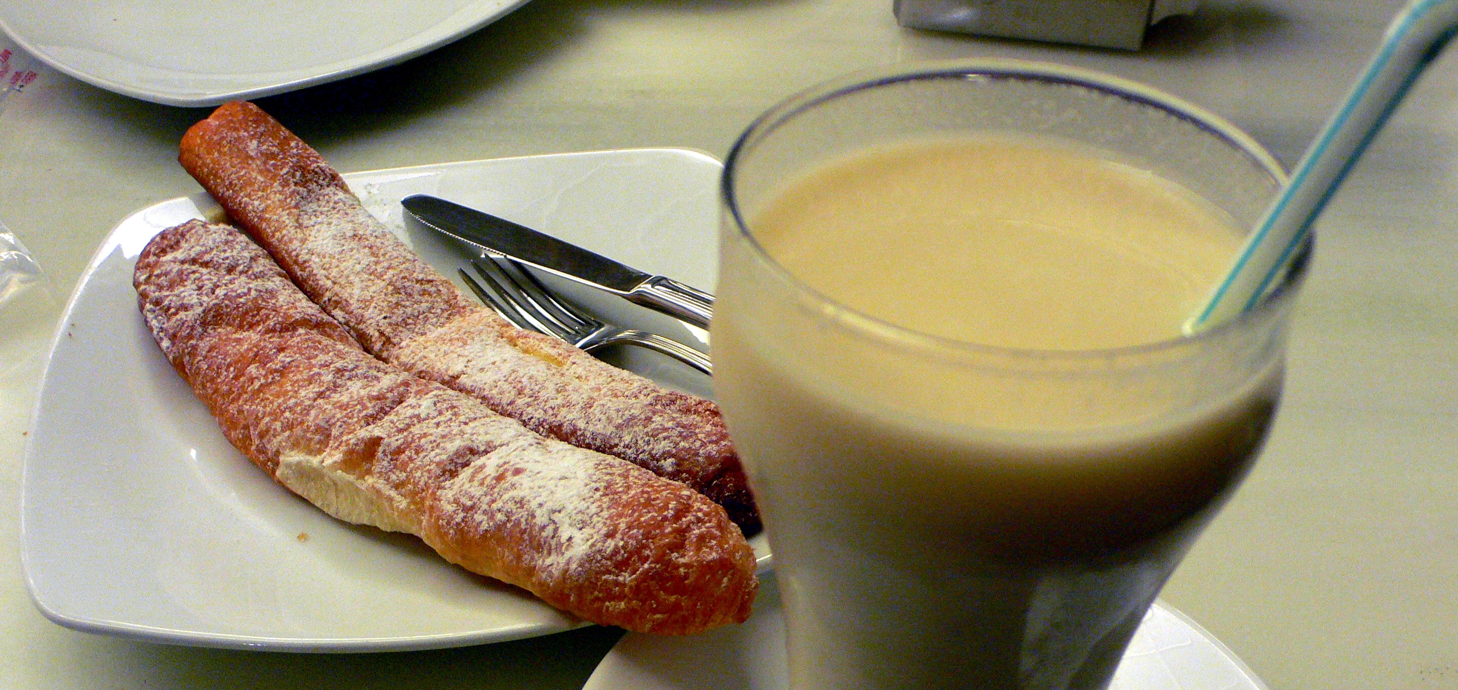 A sweet and sticky summer with Horchata de chufa
