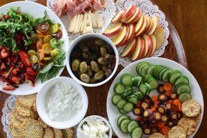 Diversos platos de ensaladas