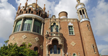La Sagrada Família | Barrios of Barcelona