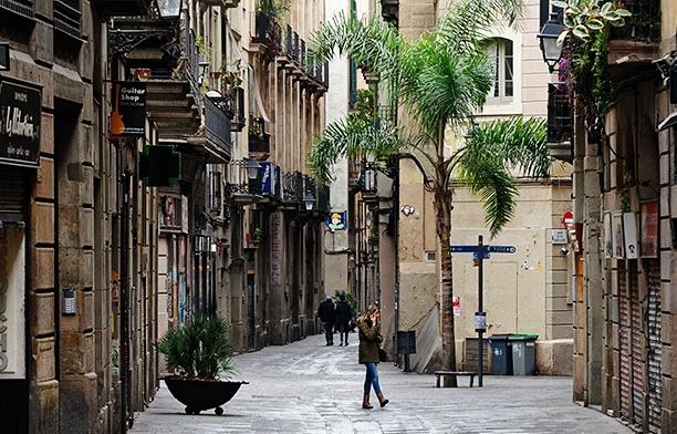 A walk in Carrer dels Tallers – Part 2