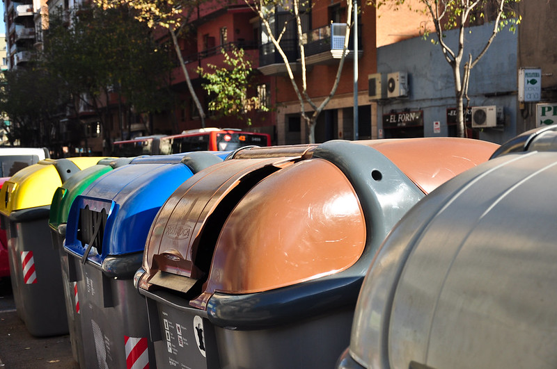 garbage containers in barcelona