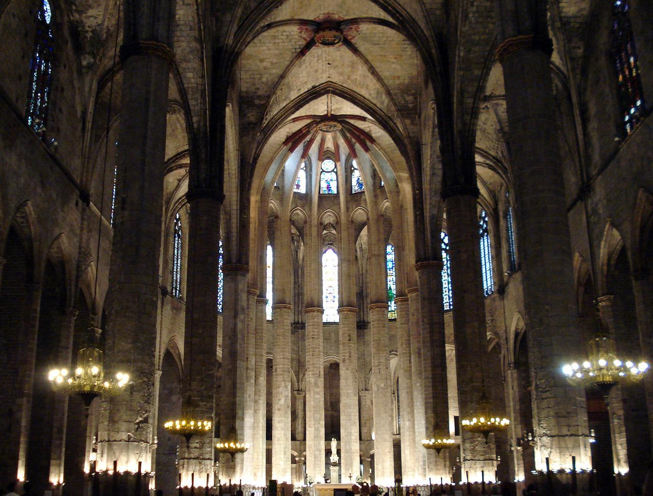 inside church santa maria del mar barcelona