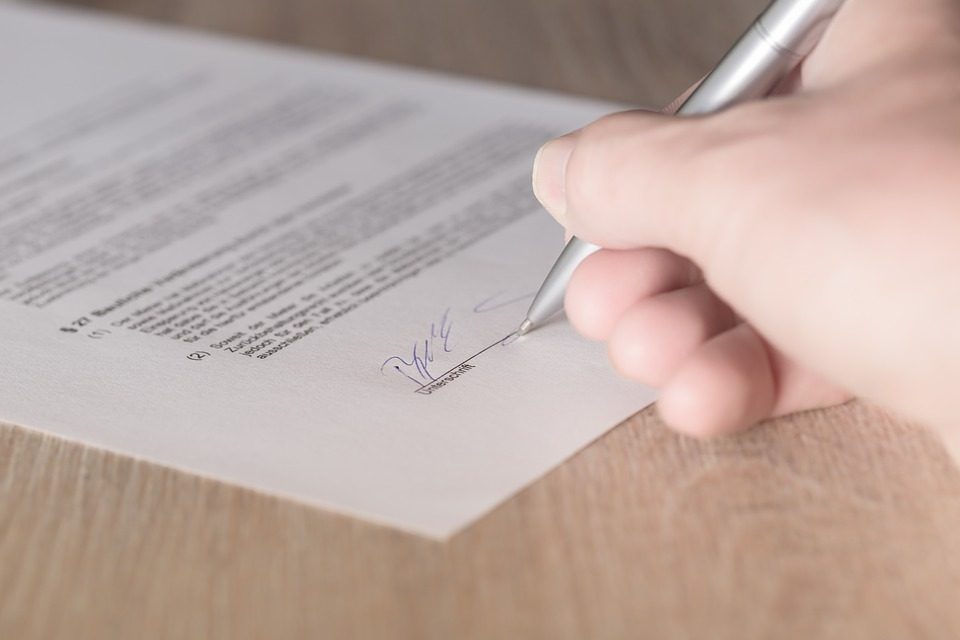 sign a contract, become a property owner in barcelona