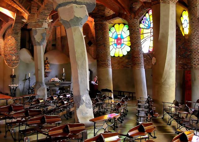 colonia guell church
