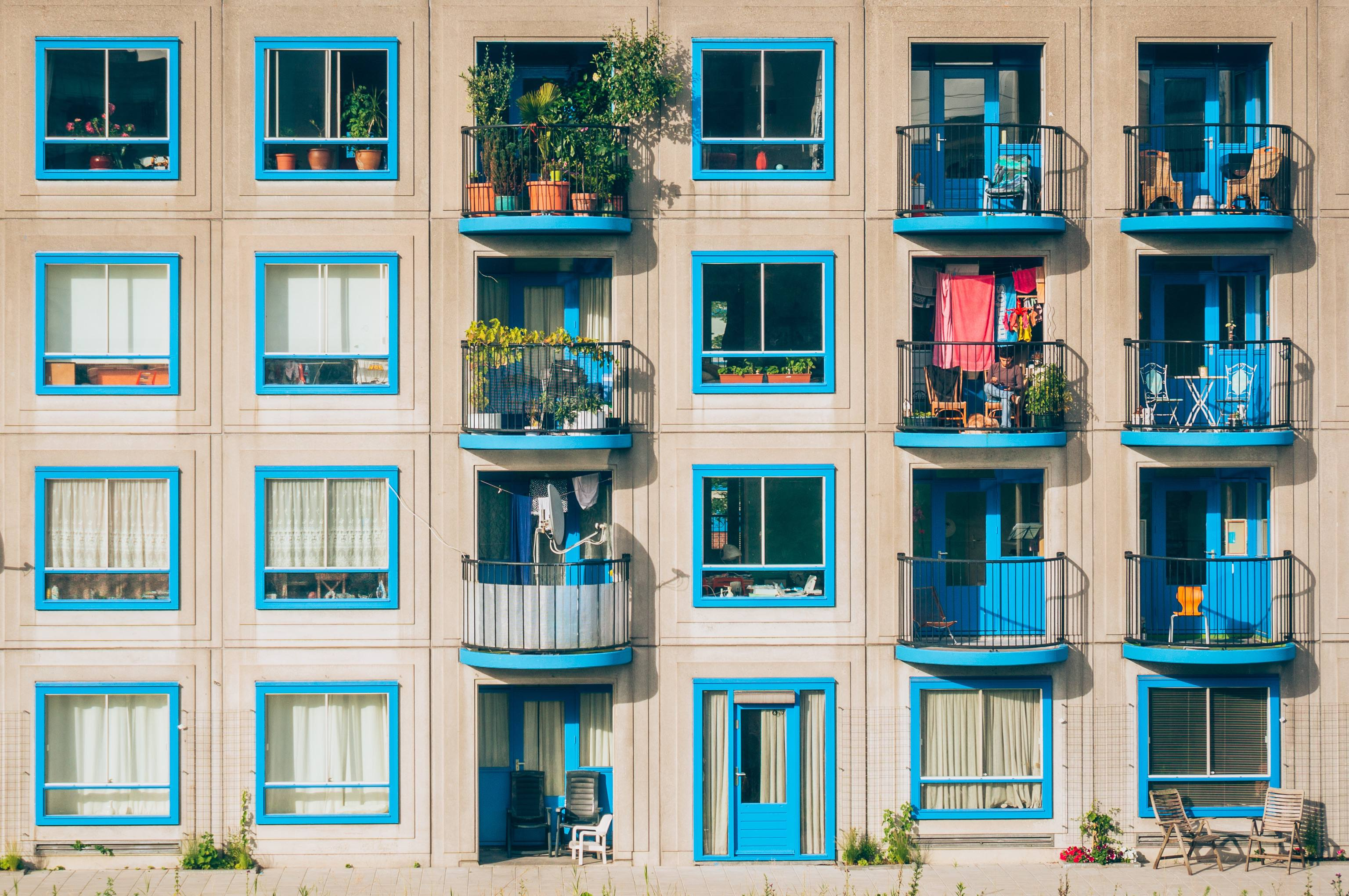 The advantages of buying, selling, renting an apartment through an agency