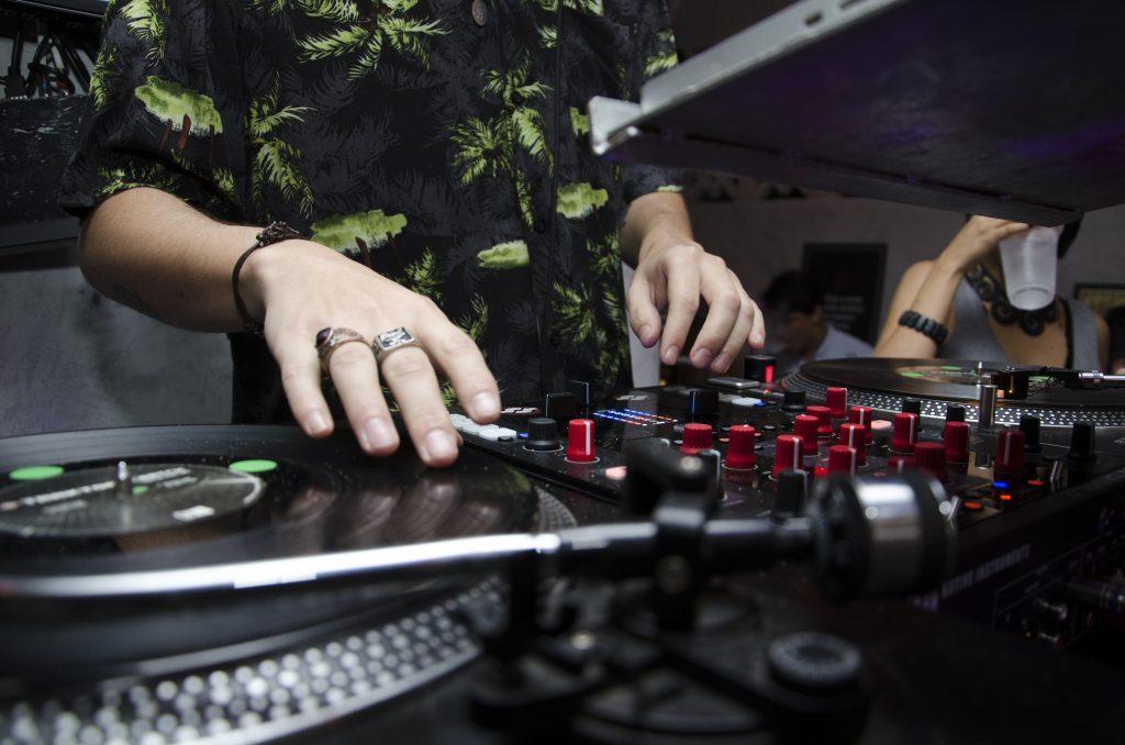 dj at turn table
