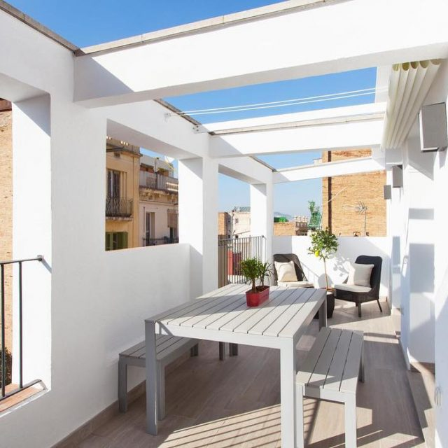 Take a look at this modern and beautiful terrace shbarcelonahellip