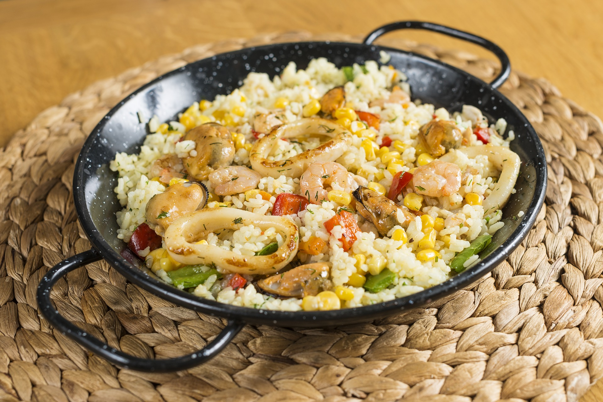 10 best places to eat in barcelona - rice dish