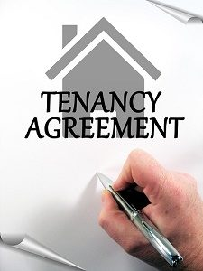 hand signing tenancy agreement
