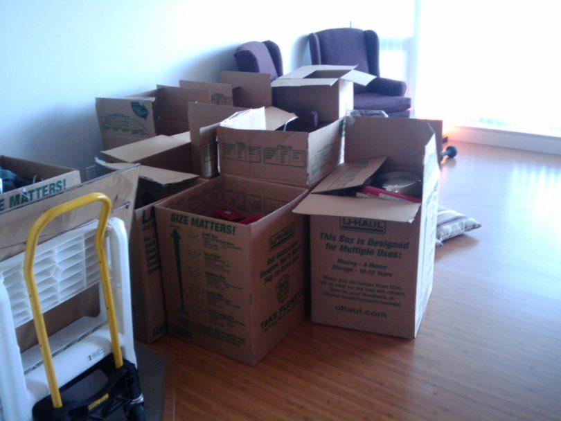 paking moving boxes