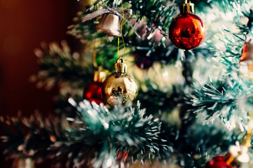 christmas tree with red and gold balls