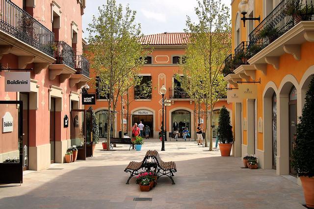 Outlet barcelona shbarcelona for Roca barcelona